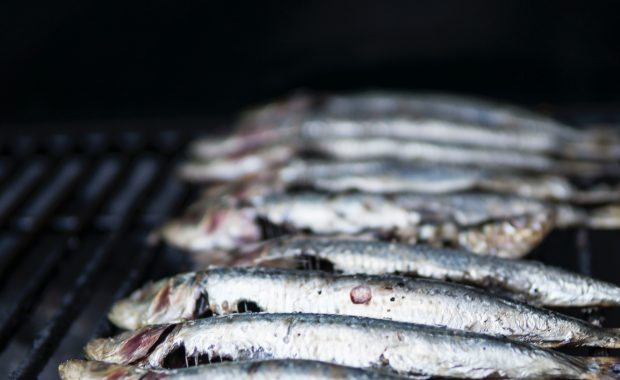 Six whole sardines, a good source of good fat.
